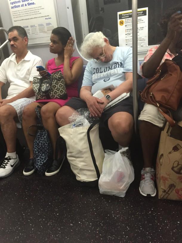 Сон в прохладном метро